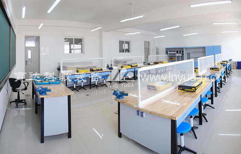 金工、木工及机械加工教室